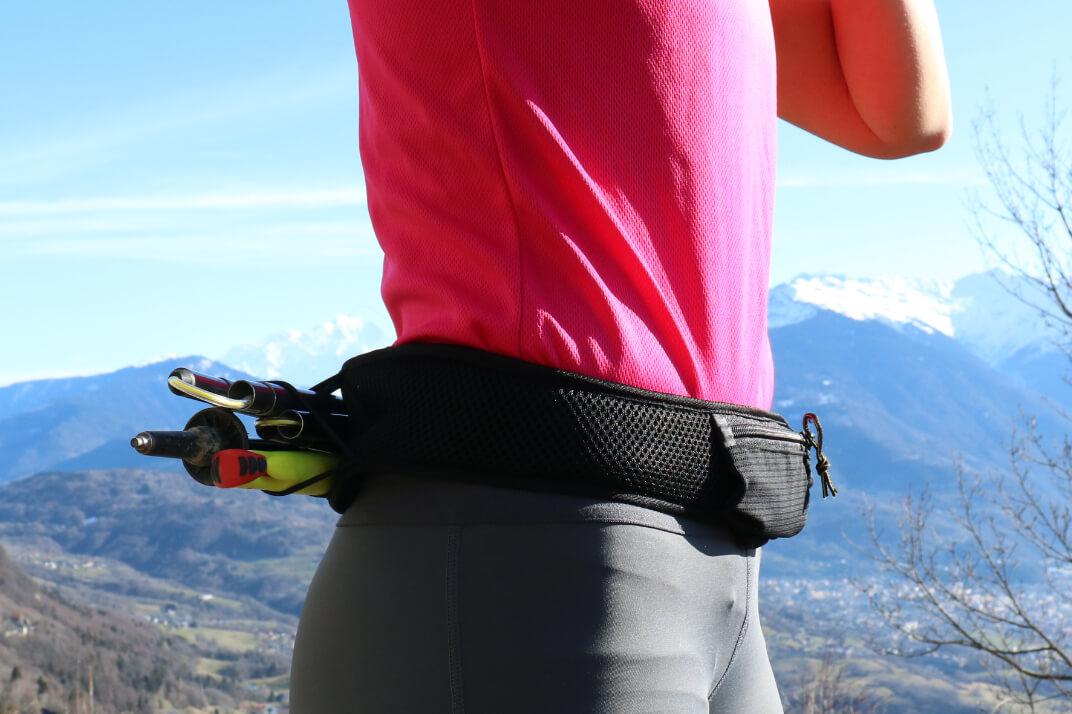 La ceinture sammie Ultra portée par un coureur en extérieur